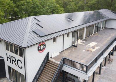 De Haagse Rugby Club koos ervoor om 234 zonnepanelen op het dak te leggen!