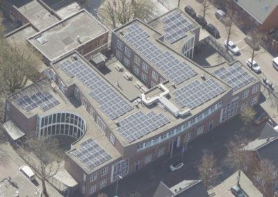 Op het dak van de Shri Vishnu-school liggen nu 309 zonnepanelen